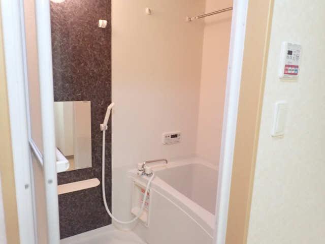 レジデンスXYZ 1階 浴室