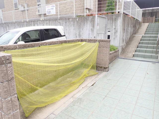 グリーンヒルA 1階 ゴミ置き場
