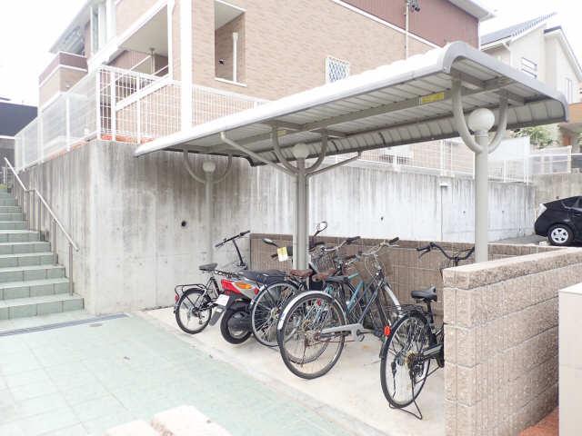 グリーンヒルA 1階 駐輪場
