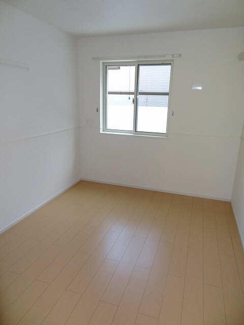 グリーンヒルA 1階 室内