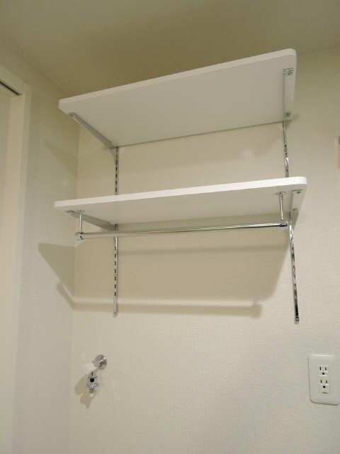 洗濯機置場上部棚