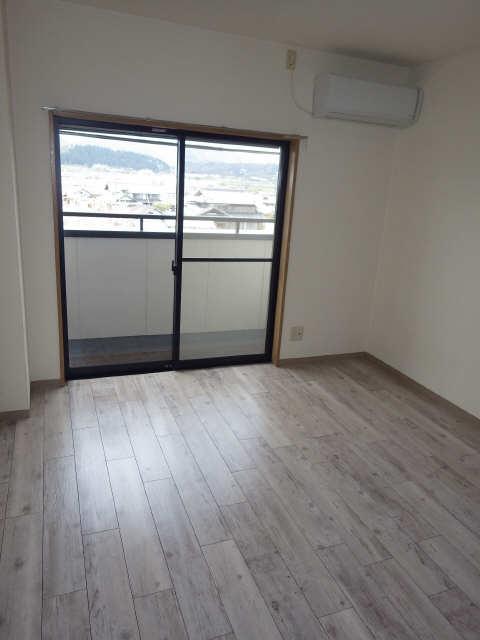 シューフルール5 4階 室内