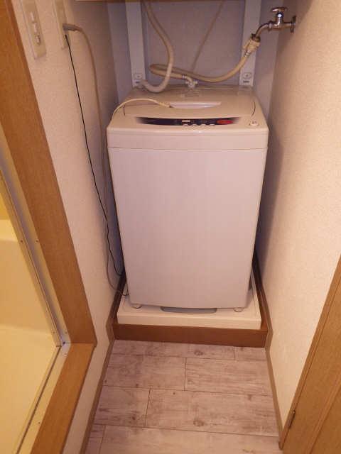 シューフルール5 4階 洗濯機置場