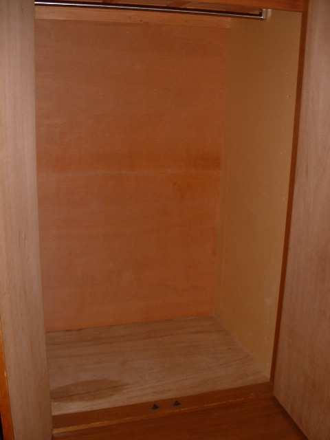 ファミールタカシ 2階 収納