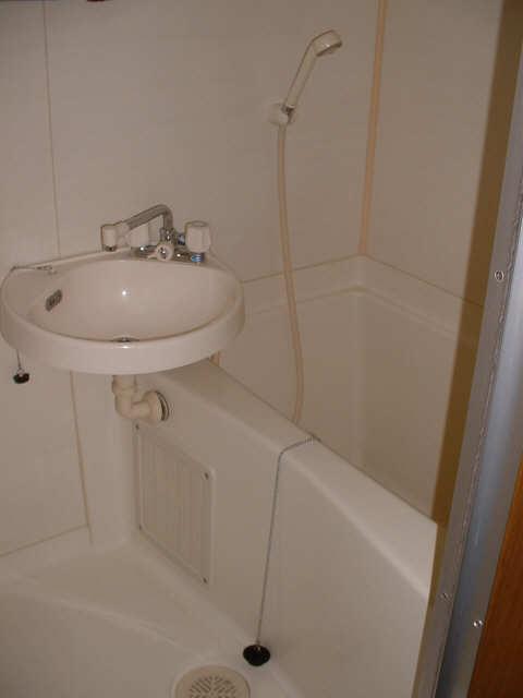 ファミールタカシ 2階 洗面