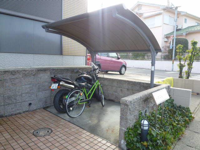 ルナフレール A棟 駐輪場