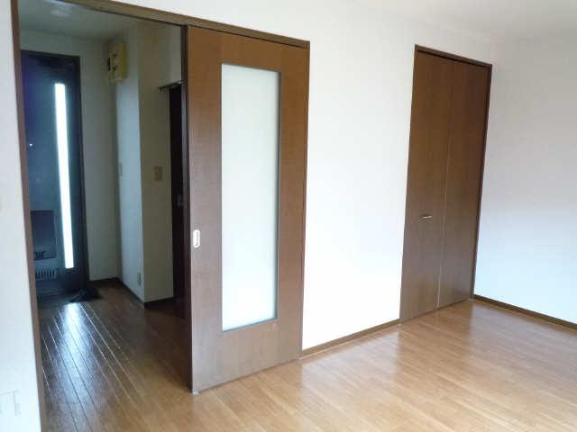 クレール東新 2階 室内