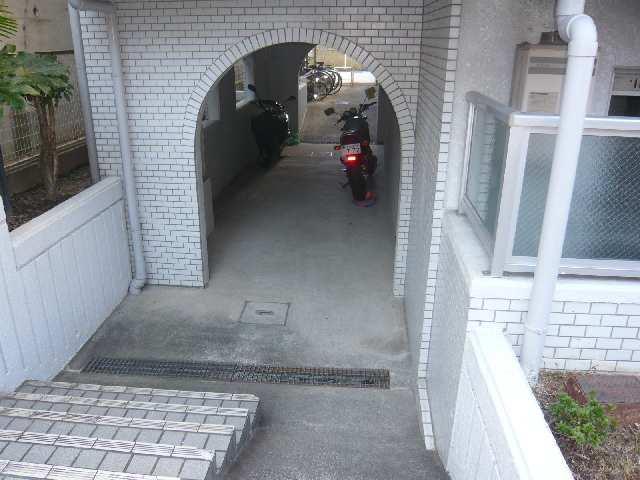 駐輪場入口
