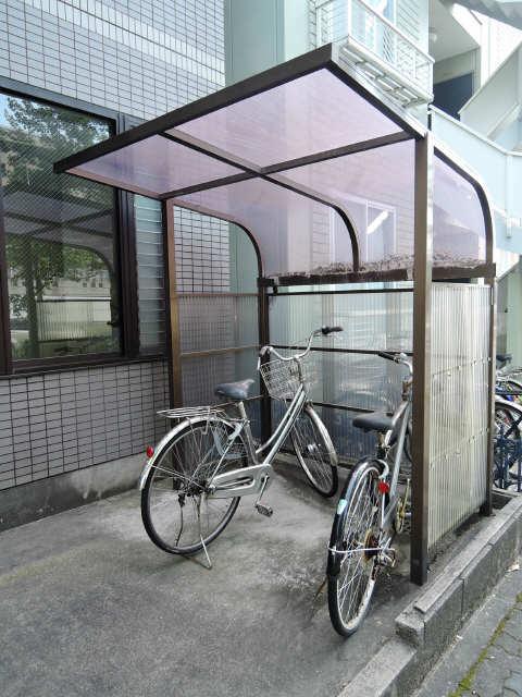 シンシア鏡池 3階 駐輪場