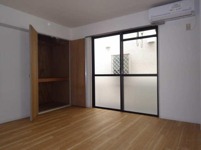 シンシア鏡池 1階 室内