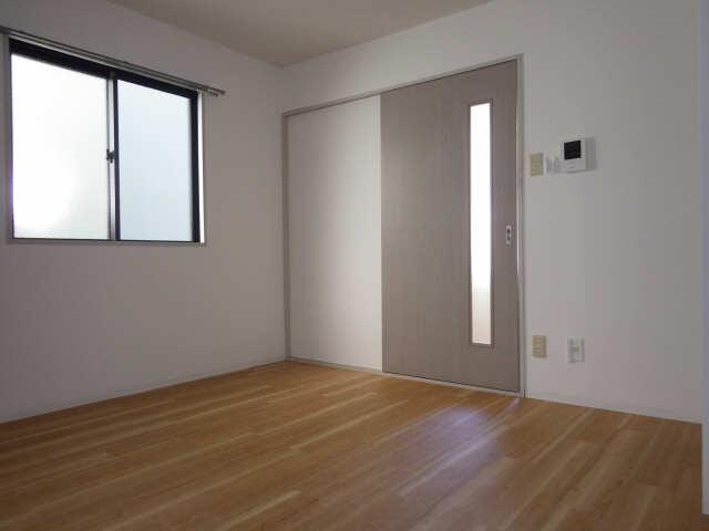 シンシア鏡池 1階 洋室
