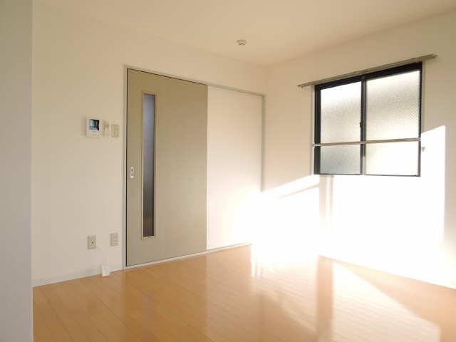 シンシア鏡池 3階 洋室