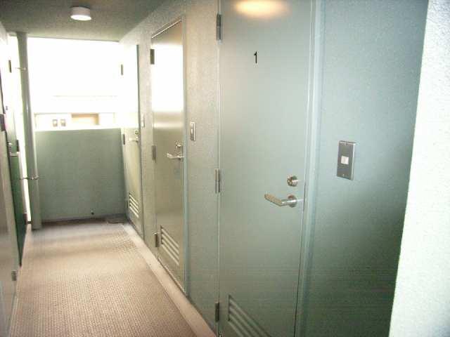 ボッロ リーノ 3階 トランクルーム
