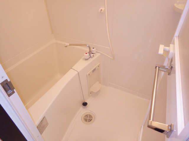 ボッロ リーノ 3階 浴室