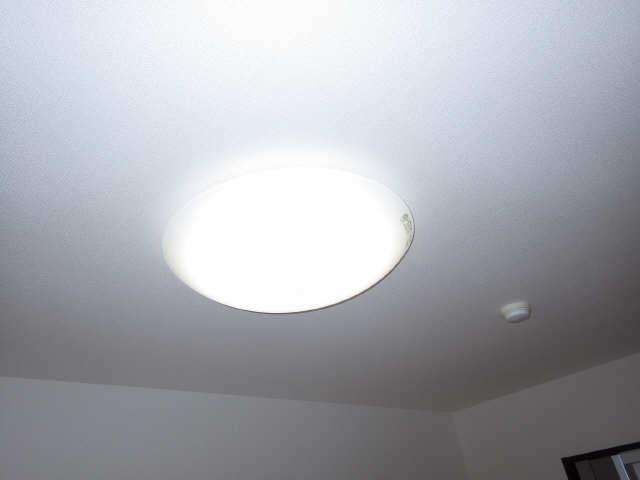 ボッロ リーノ 3階 照明