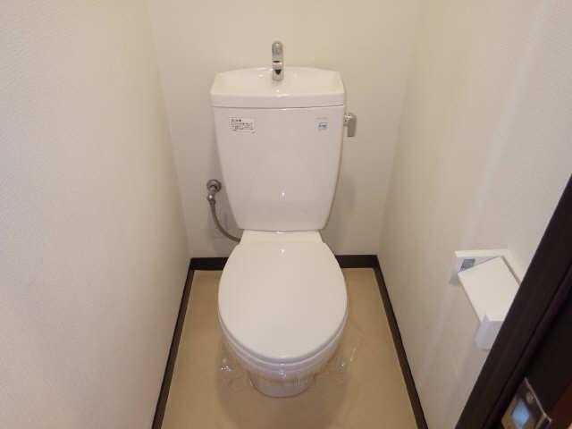 ボッロ リーノ 3階 WC