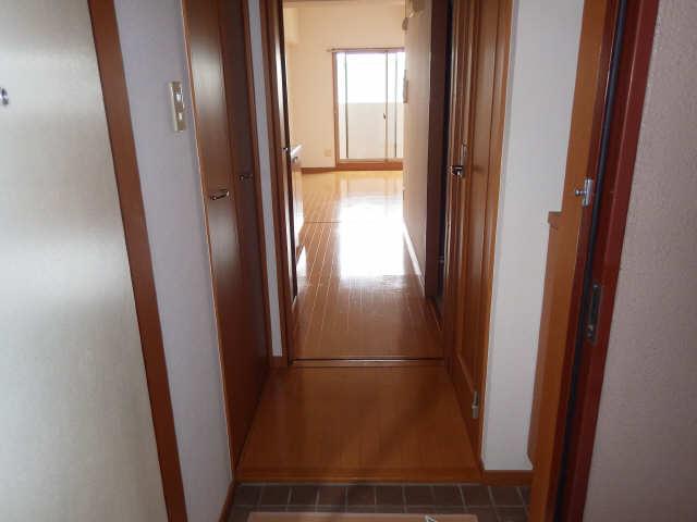 クレスト大島 3階 玄関