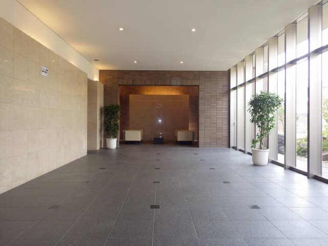 プライムメゾン富士見台 2階 ロビー