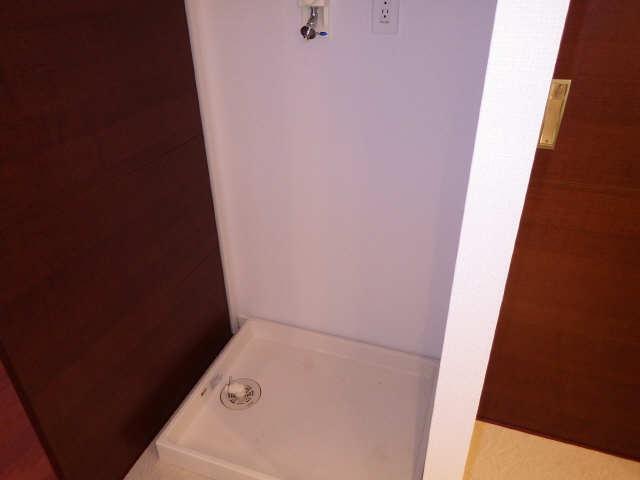 プライムメゾン富士見台 2階 洗濯機置場