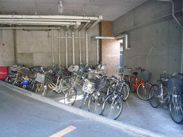 茶屋ヶ坂パークマンション 6階 駐輪場