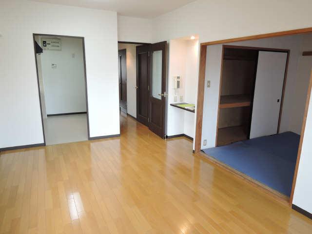 茶屋ヶ坂パークマンション 6階 リビング