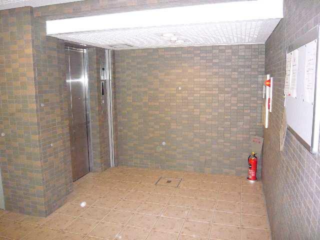 ラフィネ四ッ谷 3階 エレベーターホール
