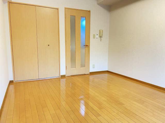 ラフィネ四ッ谷 3階 室内