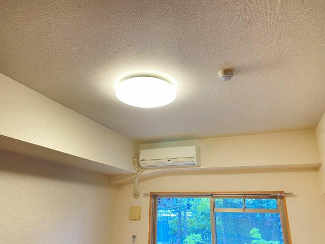 ラフィネ四ッ谷 3階 照明