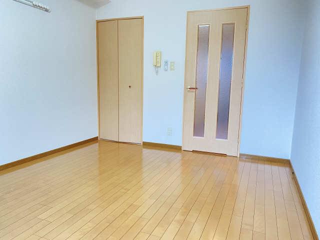 ラフィネ四ッ谷 4階 室内