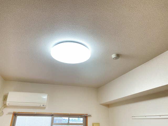 ラフィネ四ッ谷 4階 照明