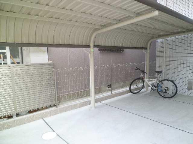 VERDE CUESTA覚王山 3階 駐輪場