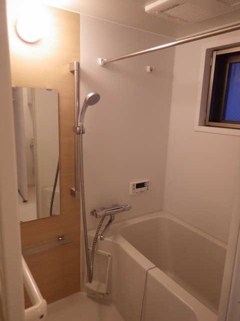 33アベニュー 5階 浴室