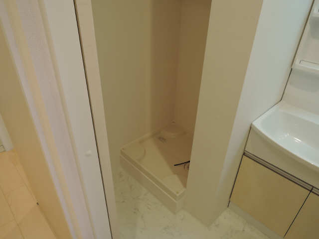 プリオール椿PartⅡ 2階 洗濯機置場