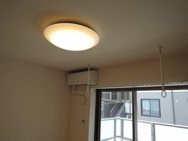 プリオール椿PartⅡ 2階 照明器具