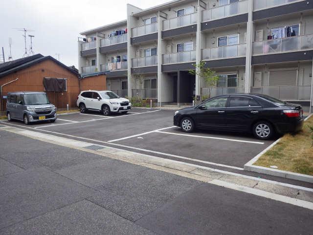 フォレストメゾン覚王山南 1階 駐車場