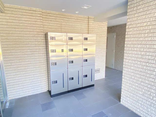 ウェルフォート幸川 7階 宅配BOX