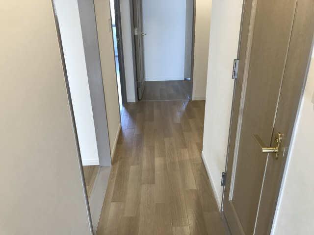 ウェルフォート幸川 13階 廊下