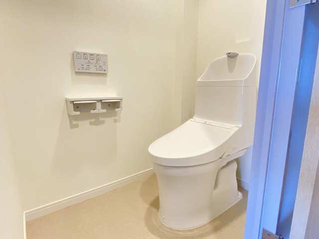 ウェルフォート幸川 13階 WC