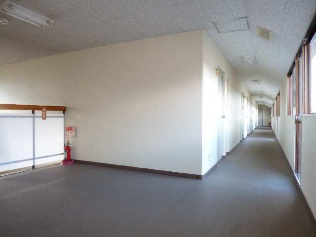 サンハイム山分B棟 1階 2F廊下