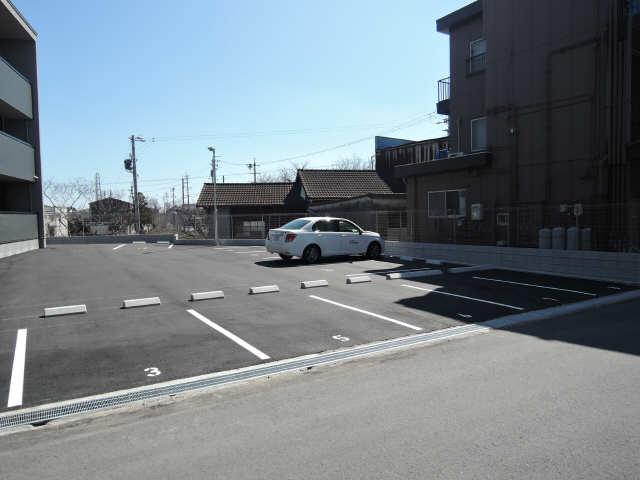 阿倉川COSMOS Ⅱ 駐車場