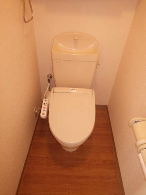 コリーヌ 1階 WC