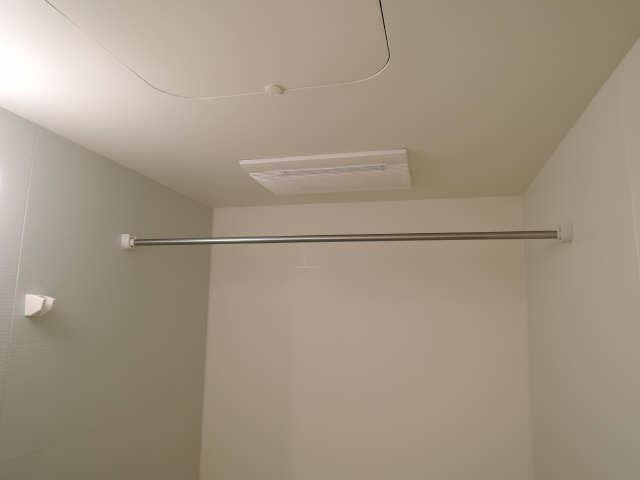 アイファイン E棟 2階 浴室乾燥機