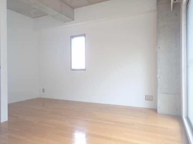 dual 3階 北洋室