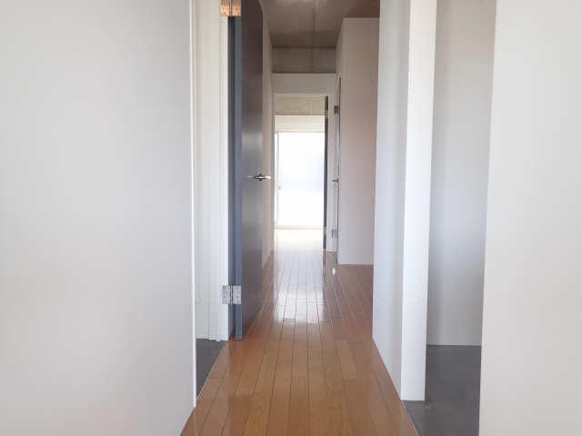 dual 3階 廊下