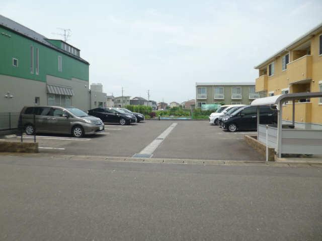 ブライトヴィラ・W 2階 駐車場