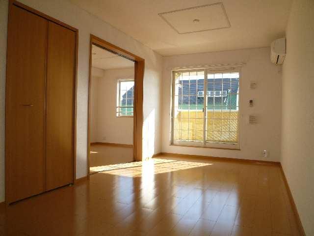 ブライトヴィラ・W 2階 室内