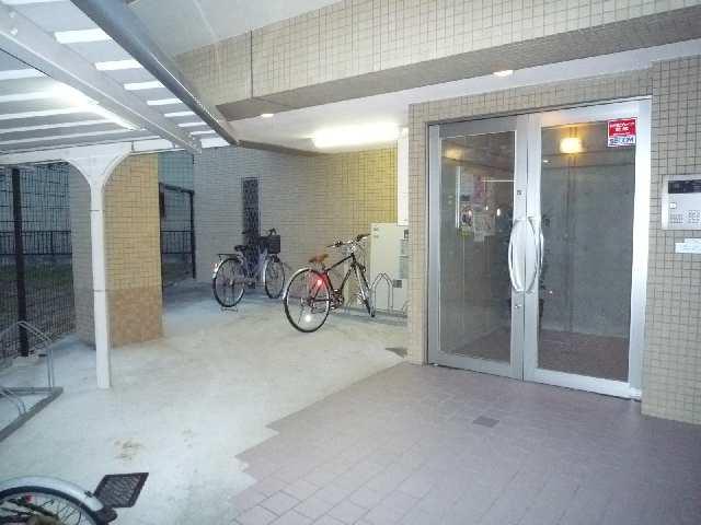 クレサス代官・m 3階 エントランス自転車置