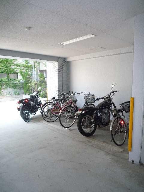 アスティ千種 7階 駐輪場