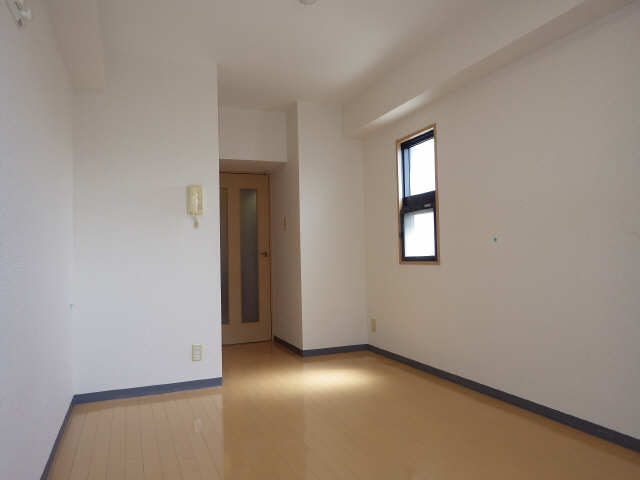アスティ千種 8階 室内