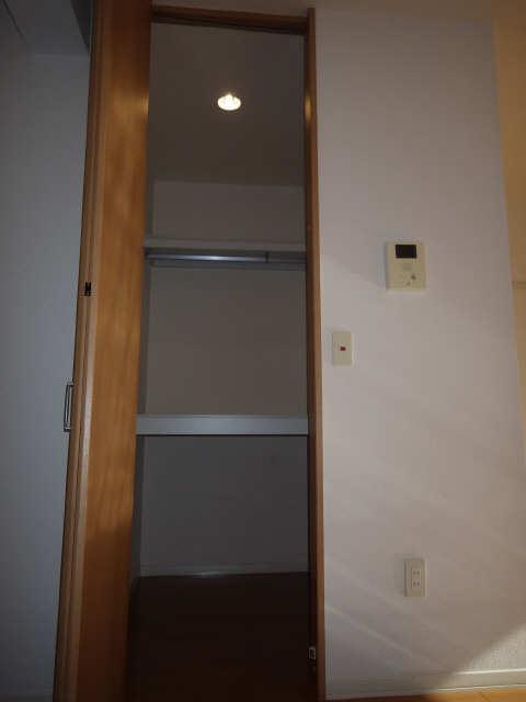 エクセレントナイン 3階 収納